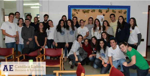 Voluntarios_univ-católica